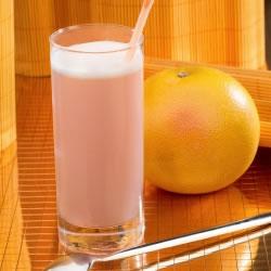 Bebida toranja rosa rica em proteínas