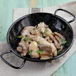 Prato cozinhado de Frango e Cogumelos