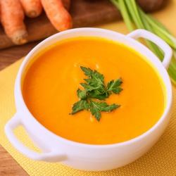 Sopa VEGAN rica em proteínas sabor legumes da horta