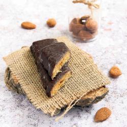 Substituto de refeição barra de ácer, frutas e amêndoas com cobertura de chocolate